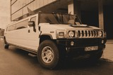 Limuzinu nuoma        2. HUMMER H2                 25seats       Brand new white Hummer.   Exclusive   appearance and wash all the colors of the rainbow make your salon a luxurious and unforgettable celebration